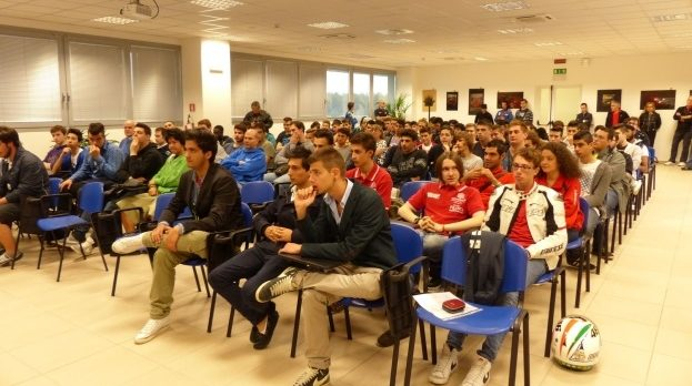"""Workshop """"Scienza e tecnologia per un'auto sicura"""