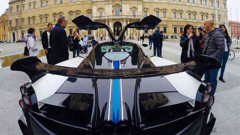 Modena Wheels: storia, design e mobilità sostenibile nella Motor Valley.