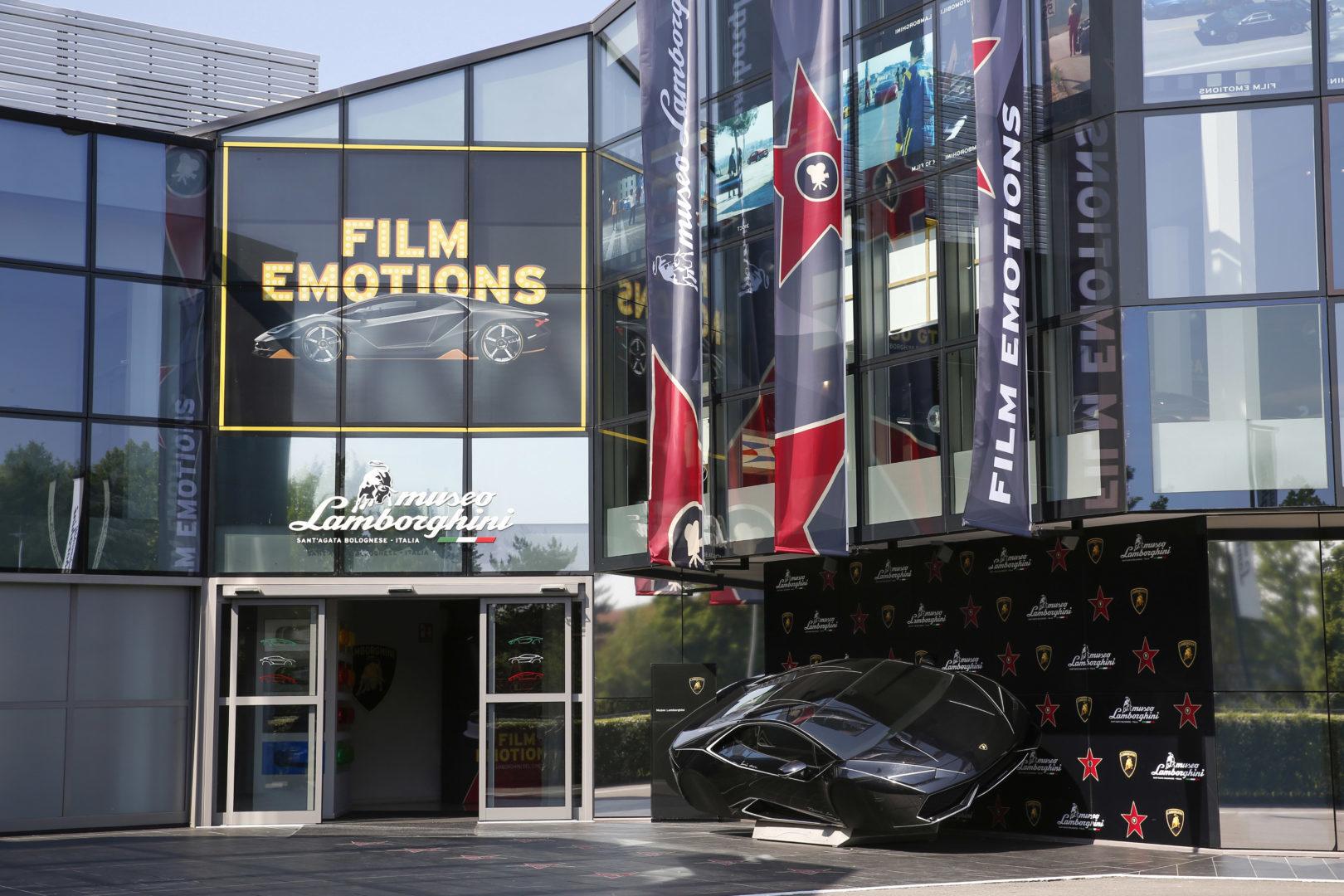 """""""Film emotions"""": inaugurata la mostra sulle Lamborghini del Cinema."""