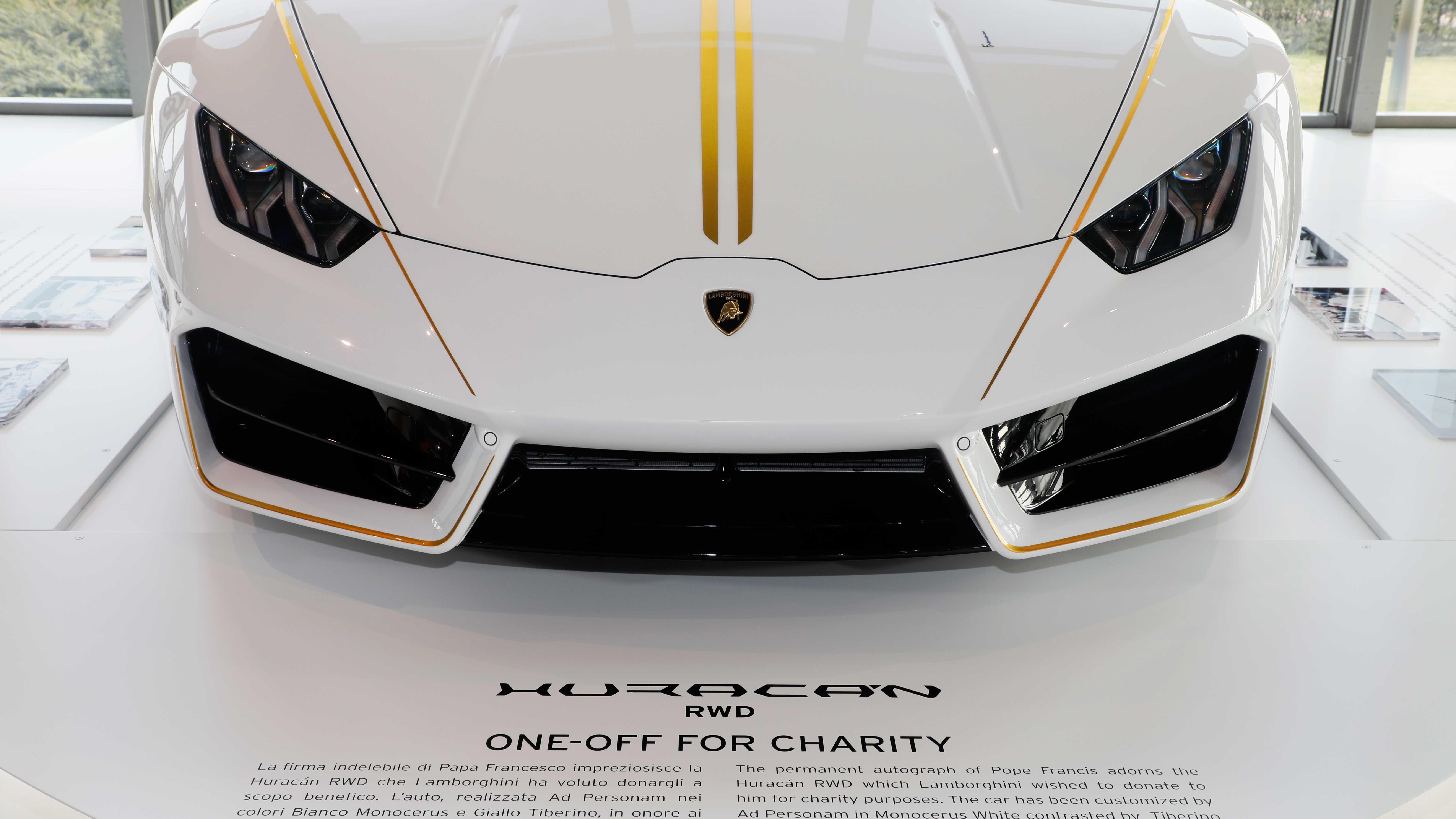 L'Huracán donata a Papa Francesco in esposizione al Museo Lamborghini.