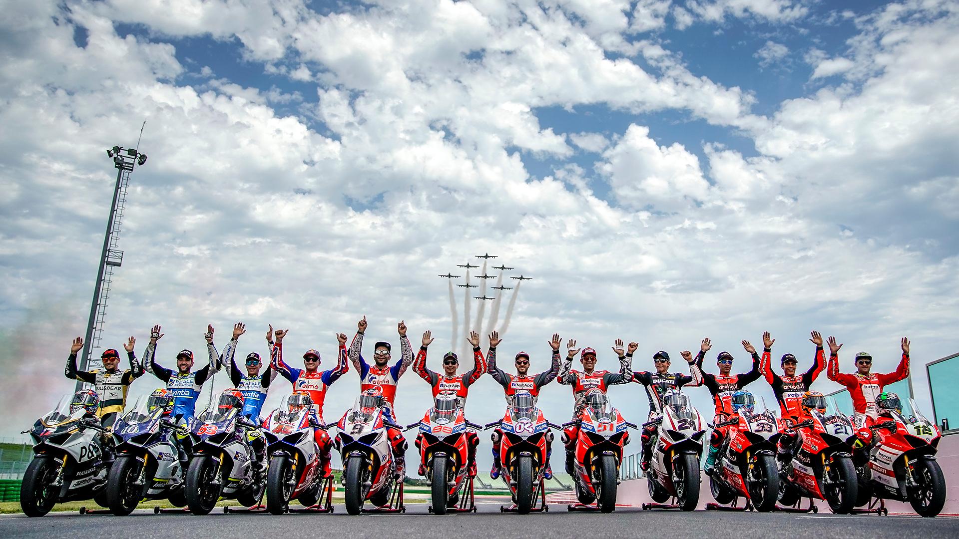 World Ducati Week 2018, le Frecce Tricolori salutano la kermesse rossa dai numeri record.