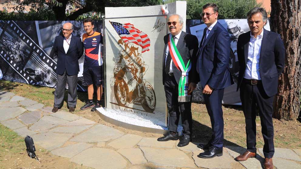 Misano Adriatico, inaugurato un giardino per ricordare il campione del mondo Nicky Hayden.