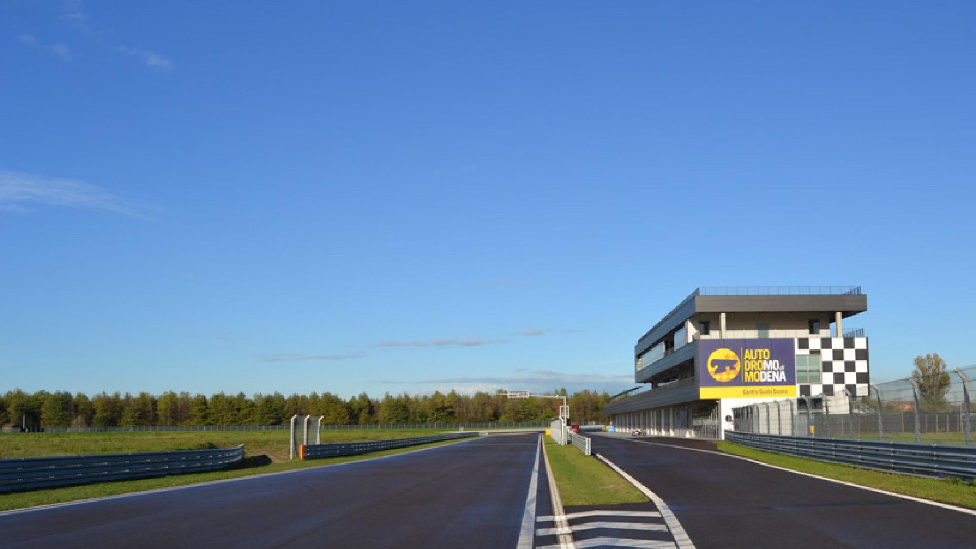 Il Sei Nazioni delle 4 ruote: l'Autodromo di Modena ospita il 6 Nations Challenge 2.0.