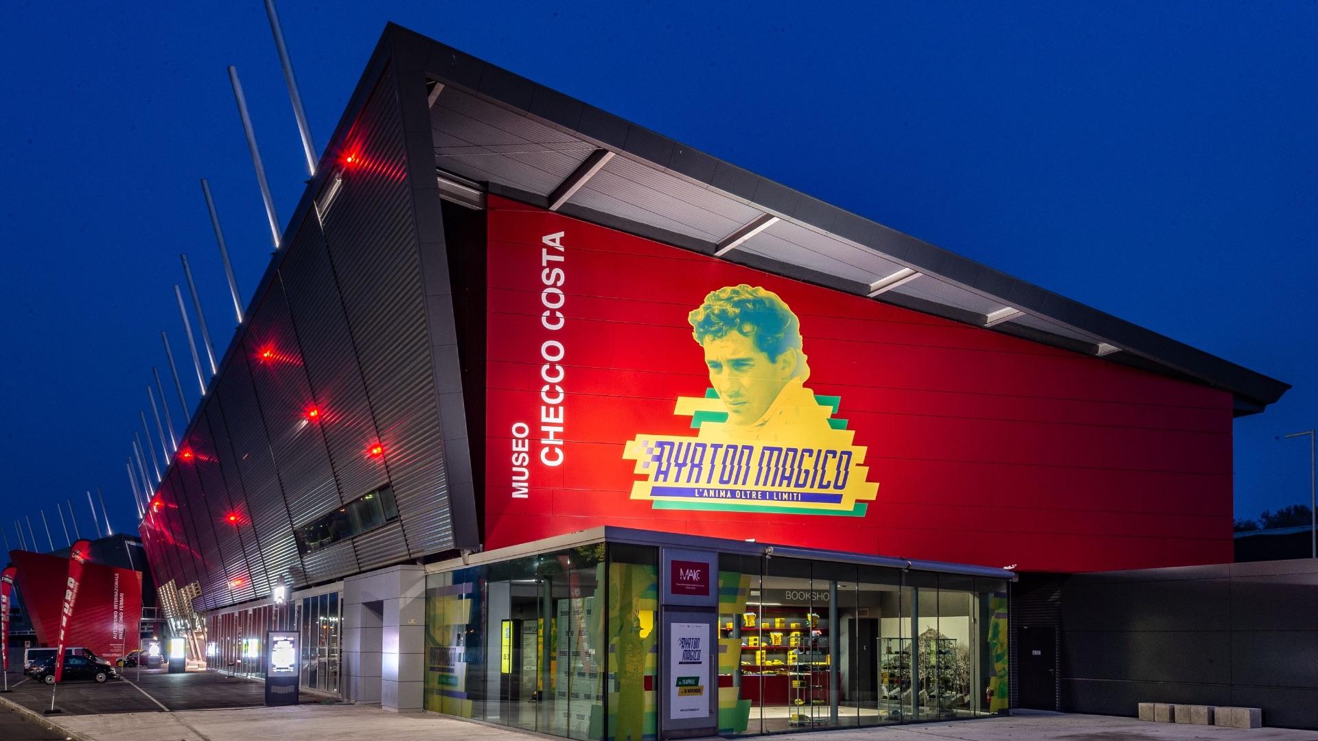 Con una mostra dedicata a Ayrton Senna, riapre il Museo Multimediale Autodromo di Imola Checco Costa.
