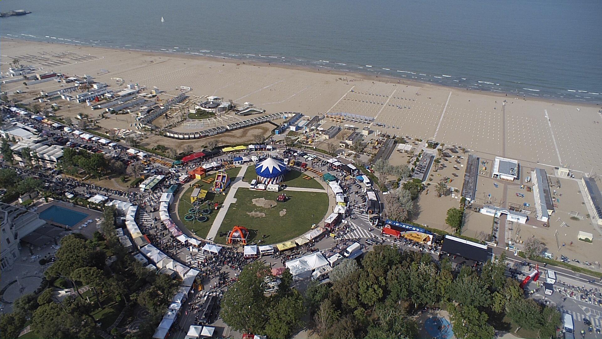 Reunion Rimini accende i motori. Dal 3 al 5 maggio musica rock, food truck e migliaia di motociclette americane.