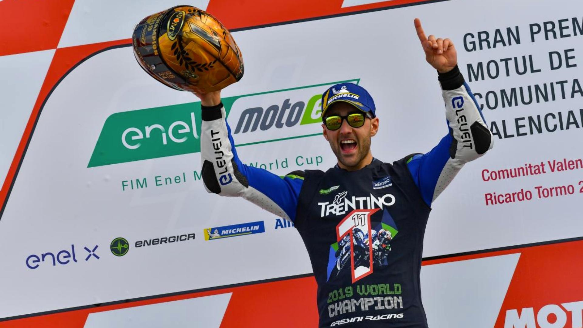 Matteo Ferrari è il primo Campione del Mondo MotoE.
