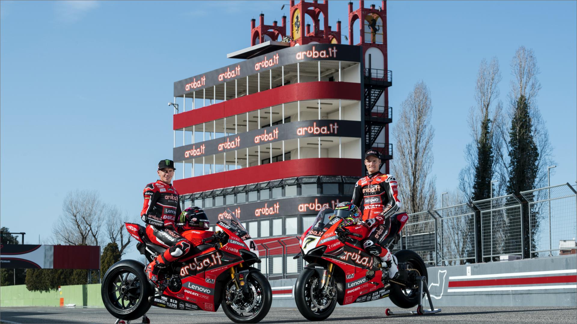 Superbike 2020: all'Autodromo Enzo e Dino Ferrari di Imola viene svelata la Ducati Panigale V4 R del Team Aruba.