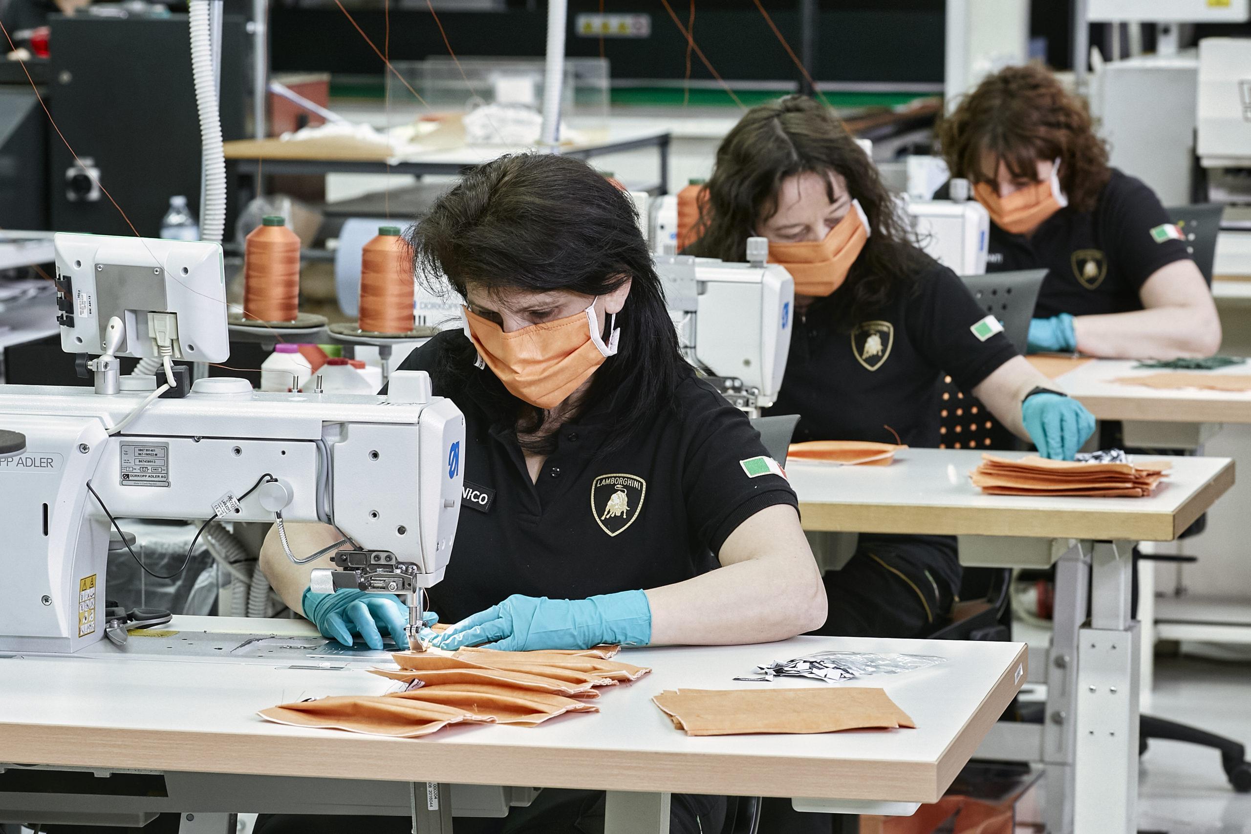 Lamborghini converte la fabbrica di Sant'Agata alla produzione di mascherine.