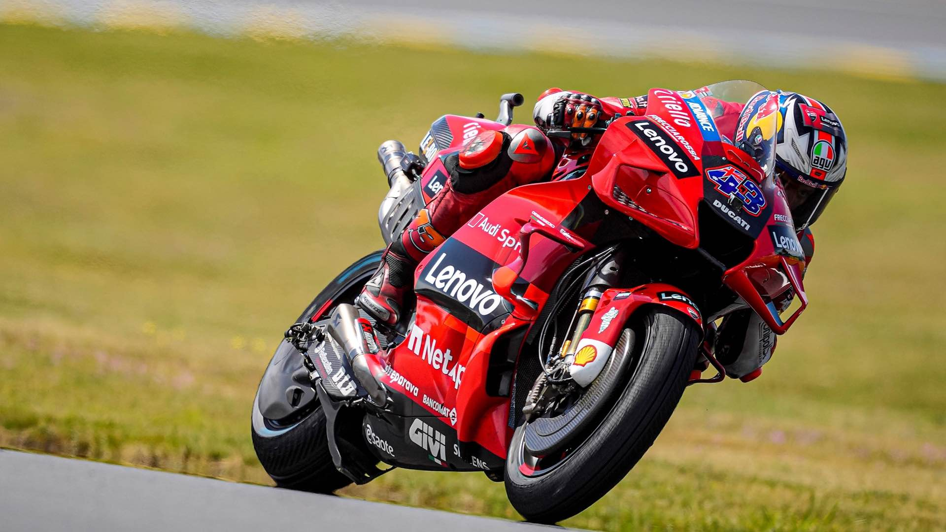 Jack Miller takes victory at the Grand Prix of France in Le Mans, the second consecutive success for the Aussie rider.