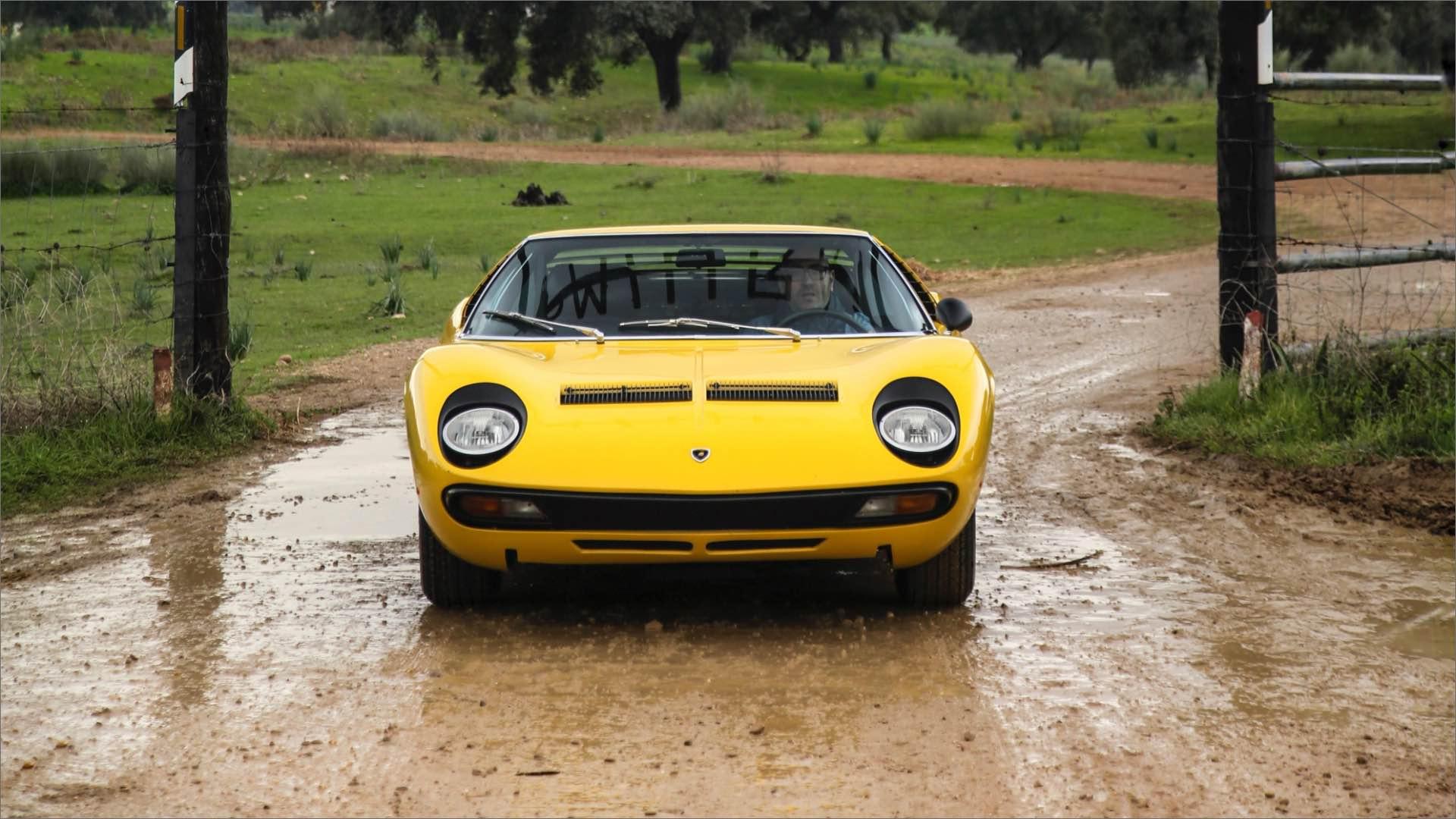 Lamborghini Miura SV: la storia delle supercar compie 50 anni.