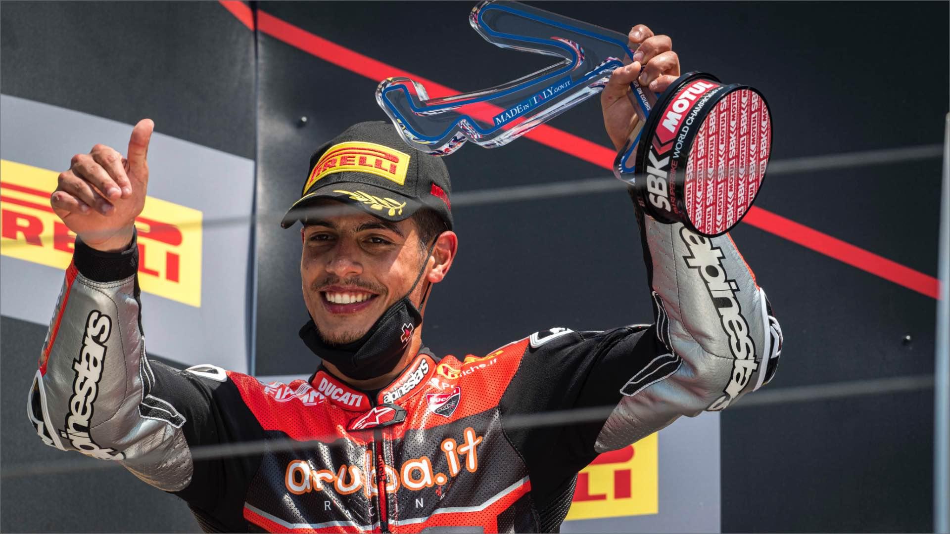SBK, Misano World Circuit: fate largo alla coppia Michael Rinaldi e Ducati.